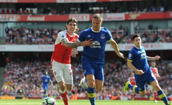 LONDON, ENGLAND - MAY 21:  Hector Bellerin of Arsenal challenges Phil Jagielka of Everton during the Premier League match between Arsenal and Everton at Emirates Stadium on May 21, 2017 in London, England.  (Photo by David Price/Arsenal FC via Getty Images) *** Local Caption *** Hector Bellerin; Phil Jagielka
