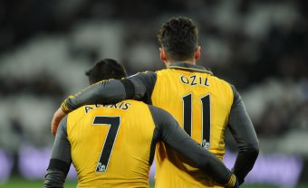 STRATFORD, ENGLAND - DECEMBER 03: (L-R) Alexis Sanchez and Mesut Ozil of Arsenal during the Premier League match between West Ham United and Arsenal at London Stadium on December 3, 2016 in Stratford, England. (Photo by Stuart MacFarlane/Arsenal FC via Getty Images) *** Local Caption *** Alexis Sanchez;Mesut Ozil;Oezil