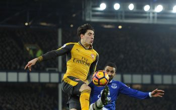LIVERPOOL, ENGLAND - DECEMBER 13:  Hector Bellerin of Arsenal is challenged by Aaron Lennon of Everton during the Premier League match between Everton and Arsenal at Goodison Park on December 13, 2016 in Liverpool, England.  (Photo by David Price/Arsenal FC via Getty Images) *** Local Caption *** Hector Bellerin; Aaron Lennon