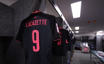SYDNEY, AUSTRALIA - JULY 13: Alexandre Lacazette's shirt in the Arsenal changing room before the pre-season friendly match between Sydney FC and Arsenal at ANZ Stadium on July 13, 2017 in Sydney, New South Wales. (Photo by Stuart MacFarlane/Arsenal FC via Getty Images) *** Local Caption *** Alexandre Lacazette