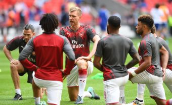 LONDON, ENGLAND - AUGUST 06:  Per Mertesacker of Arsenal warms up before the match between Chelsea and Arsenal at Wembley Stadium on August 6, 2017 in London, England.  (Photo by David Price/Arsenal FC via Getty Images) *** Local Caption *** Per Mertesacker