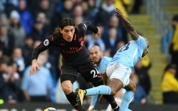 MANCHESTER, ENGLAND - NOVEMBER 05:  Hector Bellerin of Arsenal takes on Fabian Delph of Man City during the Premier League match between Manchester City and Arsenal at Etihad Stadium on November 5, 2017 in Manchester, England.  (Photo by Stuart MacFarlane/Arsenal FC via Getty Images) *** Local Caption *** Hector Bellerin;Fabian Delph
