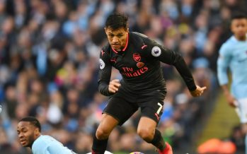 MANCHESTER, ENGLAND - NOVEMBER 05: Alexis Sanchez of Arsenal breaks past Raheem Sterling of Man City during the Premier League match between Manchester City and Arsenal at Etihad Stadium on November 5, 2017 in Manchester, England. (Photo by Stuart MacFarlane/Arsenal FC via Getty Images) *** Local Caption *** Alexis Sanchez;Raheem Sterling