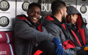 BURNLEY, ENGLAND - NOVEMBER 26:  Arsenal substitute Danny Welbeck before the Premier League match between Burnley and Arsenal at Turf Moor on November 26, 2017 in Burnley, England.  (Photo by Stuart MacFarlane/Arsenal FC via Getty Images) *** Local Caption *** Danny Welbeck