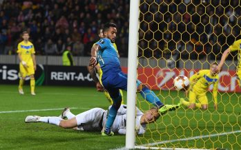 BARYSAW, BELARUS - SEPTEMBER 28:  Theo Walcott shoots past BATE goalkeeper Denis Scherbitski to score for Arsenal  during the UEFA Europa League group H match between BATE Borisov and Arsenal FC at Borisov-Arena on September 28, 2017 in Barysaw, Belarus.  (Photo by Stuart MacFarlane/Arsenal FC via Getty Images) *** Local Caption *** Theo Walcott;Denis Scherbitski