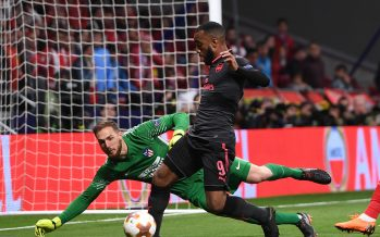 MADRID, SPAIN - MAY 03: Alexandre Lacazette of Arsenal is challenged by Jan Oblak of Atletico during the UEFA Europa League Semi Final second leg match between Atletico Madrid  and Arsenal FC at Estadio Wanda Metropolitano on May 3, 2018 in Madrid, Spain.  (Photo by David Price/Arsenal FC via Getty Images) *** Local Caption *** Alexandre Lacazette; Jan Oblak