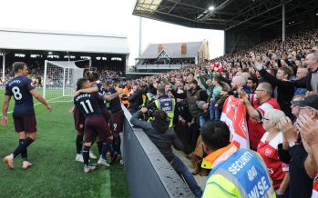 LONDON, ENGLAND - OCTOBER 07:  The Arsnenal players celebrate with the fans after the 3rd goal during the Premier League match between Fulham FC and Arsenal FC at Craven Cottage on October 6, 2018 in London, United Kingdom.  (Photo by Stuart MacFarlane/Arsenal FC via Getty Images)