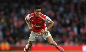 LONDON, ENGLAND - MAY 11:  Alexis Sanchez of Arsenal during the match between Arsenal and Swansea City in the Barclays Premier League at Emirates Stadium on May 11, 2015 in London, England.  (Photo by David Price/Arsenal FC via Getty Images) *** Local Caption *** Alexis Sanchez