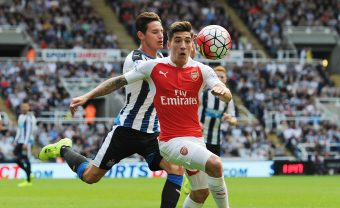 NEWCASTLE UPON TYNE, ENGLAND - AUGUST 29:  Hector Bellerin of Arsenal is tackled by Florian Thauvin of Newcastle during the Barclays Premier League match between Newcastle United and Arsenal and St James' Park on August 29, 2015 in Newcastle upon Tyne, United Kingdom.  (Photo by Stuart MacFarlane/Arsenal FC via Getty Images) *** Local Caption *** Hector Bellerin;Florain Thauvin