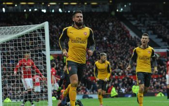 MANCHESTER, ENGLAND - NOVEMBER 19:  Olivier Giroud celebrates scoring a goal for Arsenal during the Premier League match between Manchester United and Arsenal at Old Trafford on November 19, 2016 in Manchester, England.  (Photo by David Price/Arsenal FC via Getty Images) *** Local Caption *** Olivier Giroud