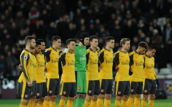 STRATFORD, ENGLAND - DECEMBER 03:  Arsenal players during the minutes silence before the match in honour of the Brazilian football team that died in a plane crash in Colombia the Premier League match between West Ham United and Arsenal at London Stadium on December 3, 2016 in Stratford, England.  (Photo by David Price/Arsenal FC via Getty Images) *** Local Caption *** Arsenal Minutes Silence