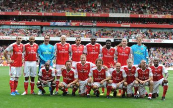 LONDON, ENGLAND - SEPTEMBER 03: The Arsenal Legends team line up before the friendly match between the Arsenal Legends and Milan Glorie at Emirates Stadium on September 3, 2016 in London, England. (Photo by Stuart MacFarlane/Arsenal FC via Getty Images)