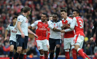 LONDON, ENGLAND - NOVEMBER 06: (2ndL) Theo Walcott, (2ndR) Mesut Ozil and (R) Francis Coquelin of Arsenal clash with (L) Jan Vertonghen and (3rdL) Danny Rose of Tottenham during the Premier League match between Arsenal and Tottenham Hotspur at Emirates Stadium on November 6, 2016 in London, England. (Photo by Stuart MacFarlane/Arsenal FC via Getty Images) *** Local Caption *** Jan Vertonghen;Theo Walcott;Danny Rose;Mesut Ozil;Oezil;Francis Coquelin