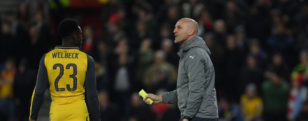 SOUTHAMPTON, ENGLAND - JANUARY 28: Arsenal assistant manager Steve Bould talks to Danny Welbeck during the Emirates FA Cup Fourth Round match between Southampton and Arsenal at St Mary's Stadium on January 28, 2017 in Southampton, England. (Photo by Stuart MacFarlane/Arsenal FC via Getty Images) *** Local Caption *** Steve Bould;Danny Welbeck