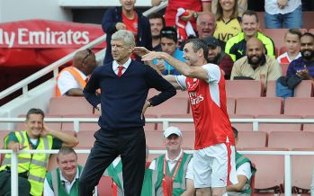 LONDON, ENGLAND - SEPTEMBER 03:  Martin Keown of Arsenal Legends pretends to strangle Arsenal Manager Arsene Wenger during the Arsenal Foundation Charity match between Arsenal Legends and Milan Glorie at Emirates Stadium on September 3, 2016 in London, England.  (Photo by David Price/Arsenal FC via Getty Images) *** Local Caption *** Martin Keown; Arsene Wenger