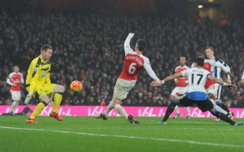 LONDON, ENGLAND - JANUARY 02:  Laurent Koscielny shoots past Newcastle goalkeeper Rob Elliot to score the Arsenal goal during the Barclays Premier League match between Arsenal and Newcastle United at Emirates Stadium on January 2, 2016 in London, England.  (Photo by Stuart MacFarlane/Arsenal FC via Getty Images) *** Local Caption *** Laurent Koscielny; Rob Elliot
